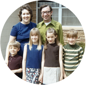 Bill-and-Sue-Clifford-with-Family-late-1960s
